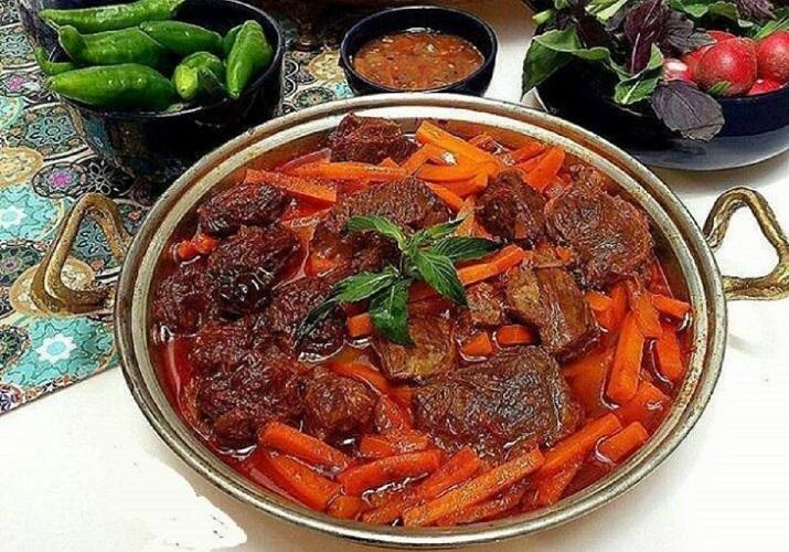 طرز تهیه خورشت هویج و پسته