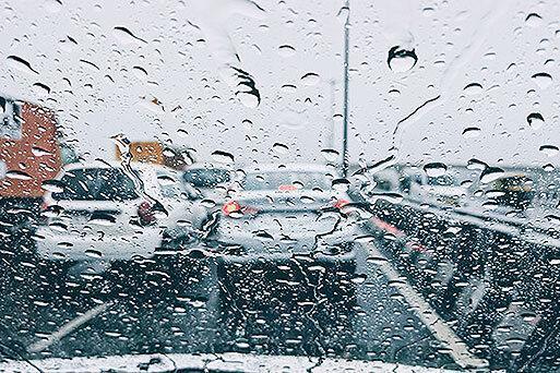 شرایط راه ها ، برف و باران در جاده های بیش از 10 استان