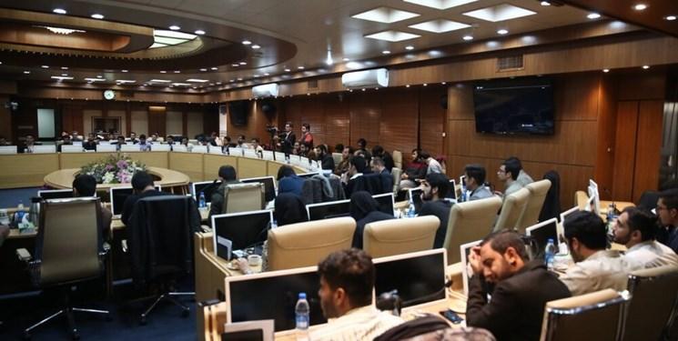 فیروزآبادی: سلبریتی ها به جای اساتید مرجع فکری دانشجویان شده اند