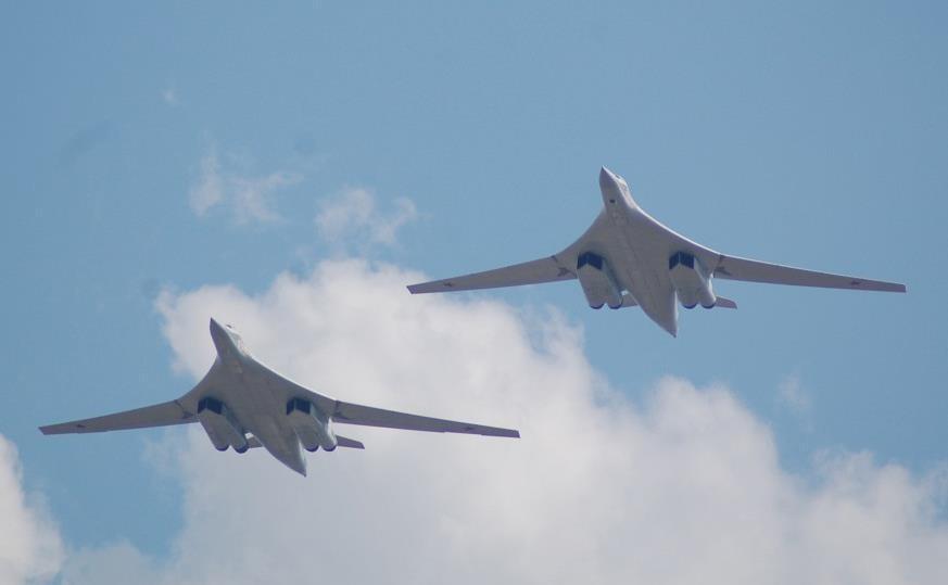 پرواز بمب افکن های روسی در حوالی مرز کانادا