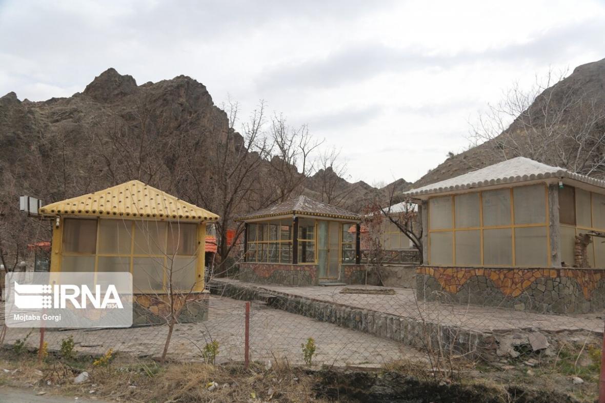 خبرنگاران تعطیلی مراکز تفریحی و گردشگری خراسان جنوبی ادامه دارد