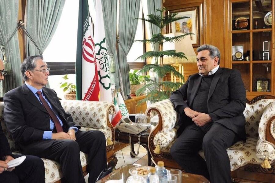 وقتی شهردار تهران دیپلمات شد، کلمات حناچی در گاردین چقدر ارزش دارد؟