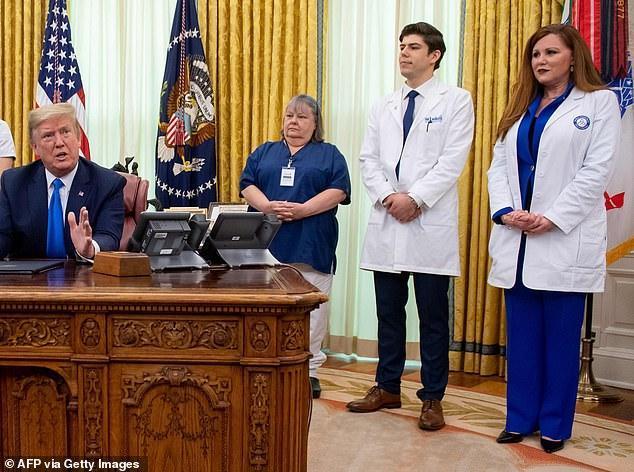 جروبحث ترامپ با پرستاران: کمبود ماسک نداریم؛ اینها خبرهای جعلی است