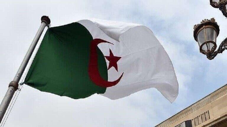 خبرنگاران الجزایر سفیر خود در فرانسه را فرا خواند