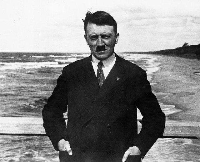 عواقب پشت کنکور ماندن هیتلر