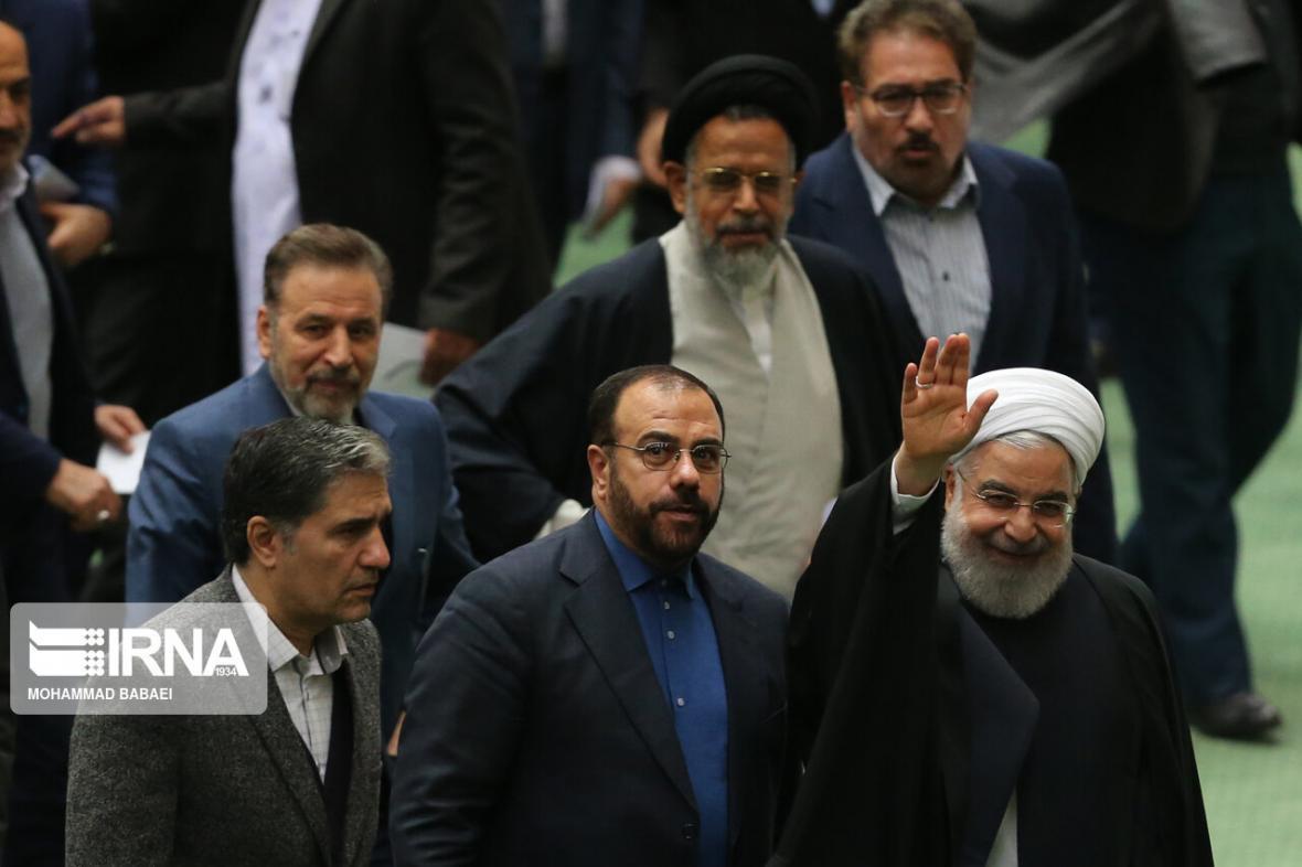 خبرنگاران 5 راهکار برای 6 چالش سال پایانی دولت روحانی