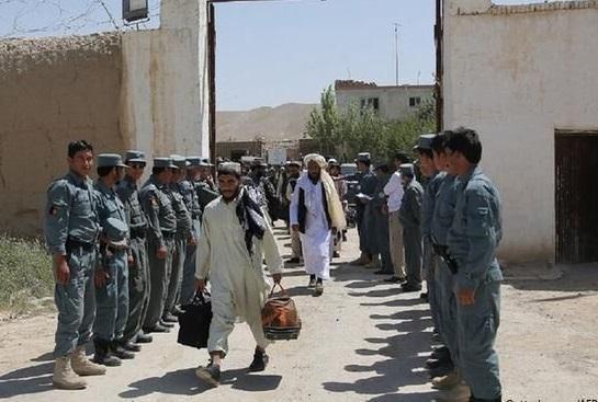 دولت افغانستان گروه جدیدی از زندانیان طالبان را آزاد کرد