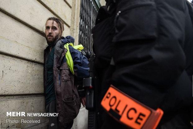 پلیس پاریس 200 معترض را بازداشت کرد