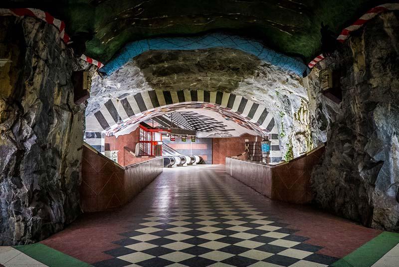 آشنایی با هنر زیرزمینی در ایستگاه های متروی استکهلم، عکس