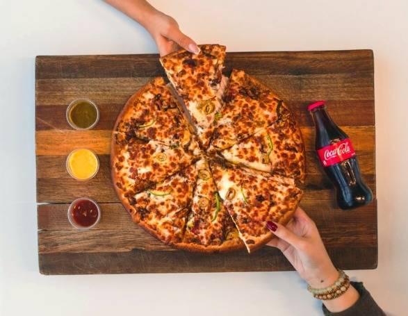 دقایقی بعد خوردن پیتزا در بدن چه خبر می گردد ؟