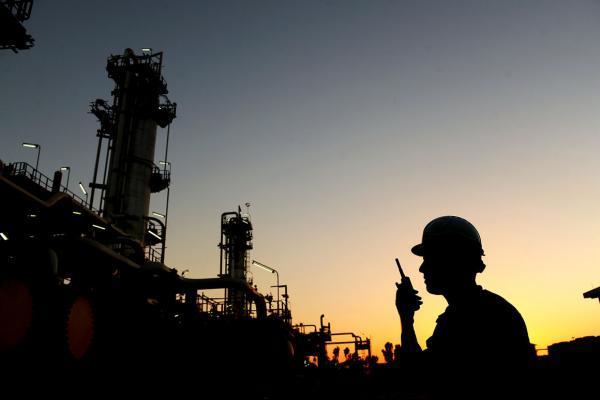 عظیم ترین تأسیسات جمع آوری و فرآورش گازهای همراه نفت ایران به بهره برداری رسید