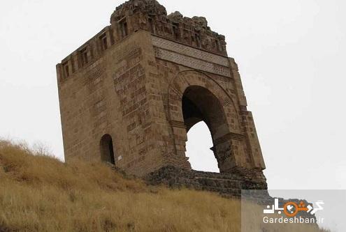 قلعه ضحاک یا آژدهاک؛ منطقه ای عجیب در هشترود، عکس