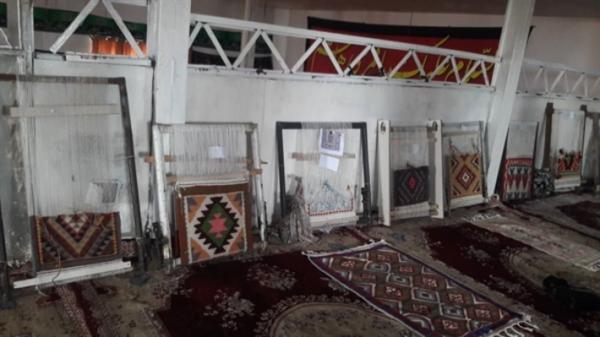 80 درصد از مردم روستای شکورآباد شهرستان سلطانیه گلیم می بافند