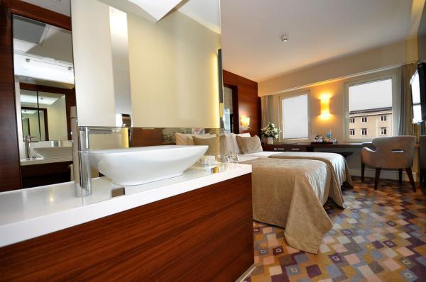 تور ارزان استانبول: برترین هتل های 4 ستاره استانبول